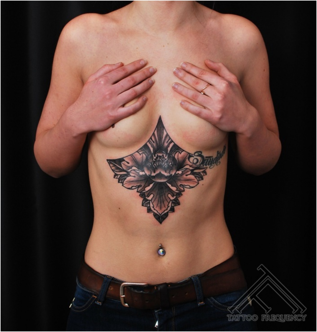 65 Sizzling Under breast Tattoos Youu0026#39;ll Drool Over - Ritely