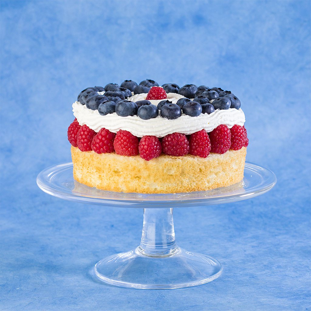 Red white and blue berry good cake