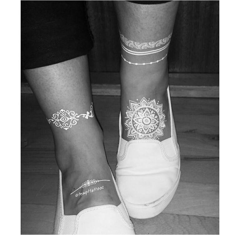 Henna Eye Tattoo: 43 Eye-Catching White Henna Tattoos You Must Try