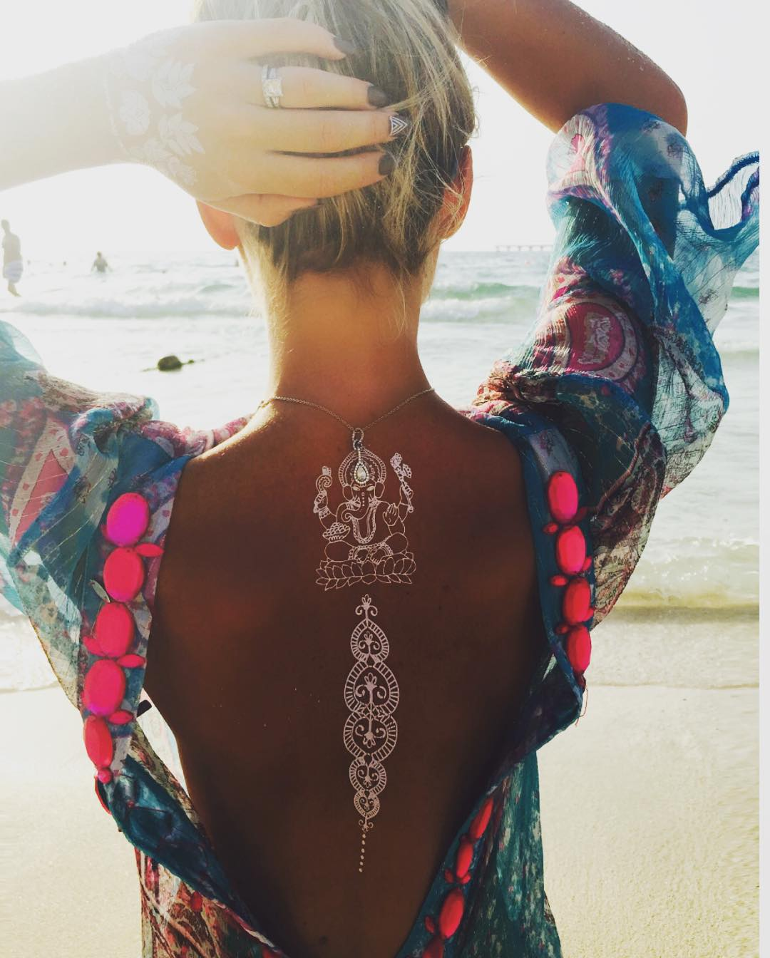 43 Eye-Catching White Henna Tattoos You Must Try