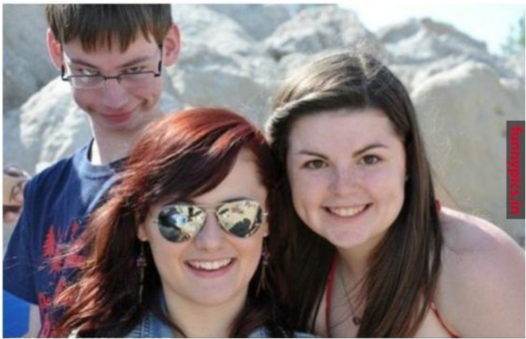 30+ Photobombs That Will Make You Laugh Out Loud