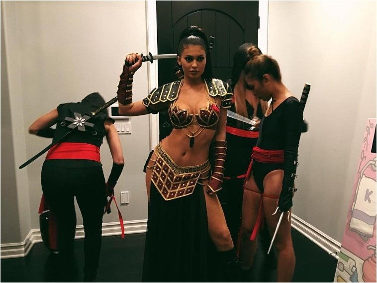 Photo:  http://www.thehollywoodgossip.com/2015/11/kylie-jenner-almost-bares-it-all-for-halloween/