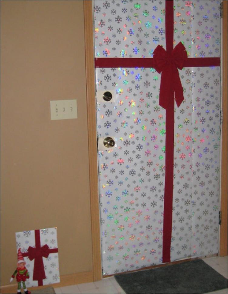 47 ideas for your mischievous elf on a shelf ritely for Elf door ideas